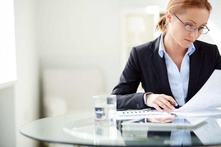 Картинка женщина бухгалтер